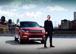 Daniel Craig e la nuova Range Rover Sport a New York. Foto di Greg Williams per Land Rover
