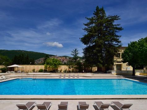 Palazzo-della-Fonte-piscina-esterna02