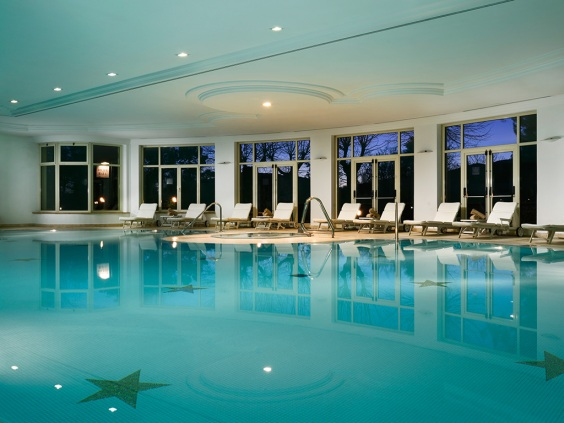 Palazzo-della-Fonte-piscina-interna01