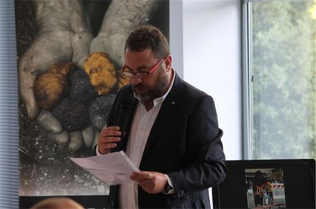 Il moderatore Marcel Vulpis