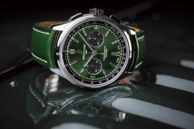 Premier B01 Chronograph 42 Bentley British Racing Green with a British racing green leather strap (PPR/Breitling)