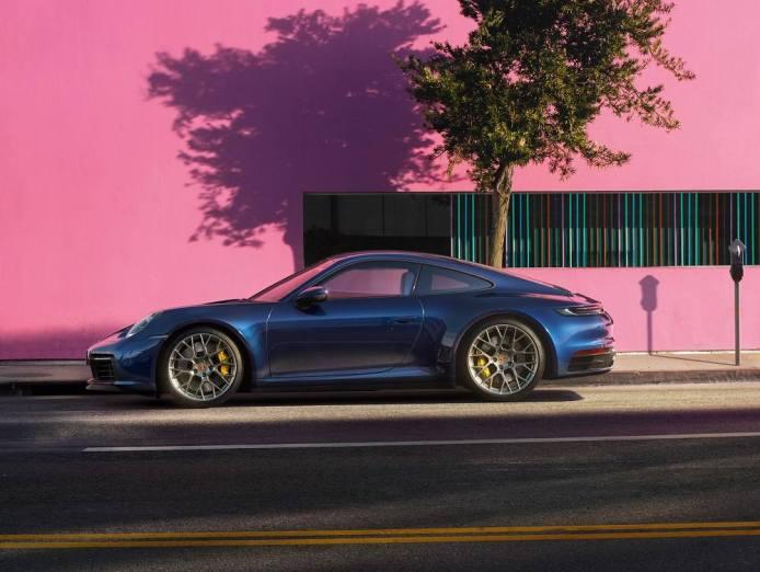 Nuova Porsche 911 inaugurazione Roma blu